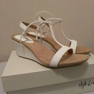 Style & Co Mulan White Snake Sandal Sz 10.5